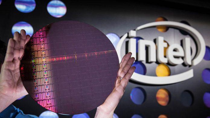Intel Skylake SP Wafer And Logo
