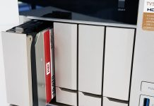 QNAP TVS 473 Inserting Hard Drive