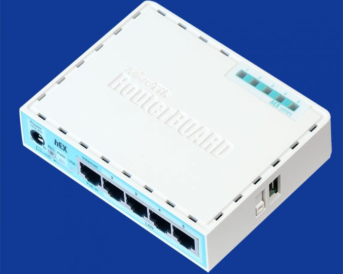 MikroTik RouterBoard HEX RB750GR3 Top