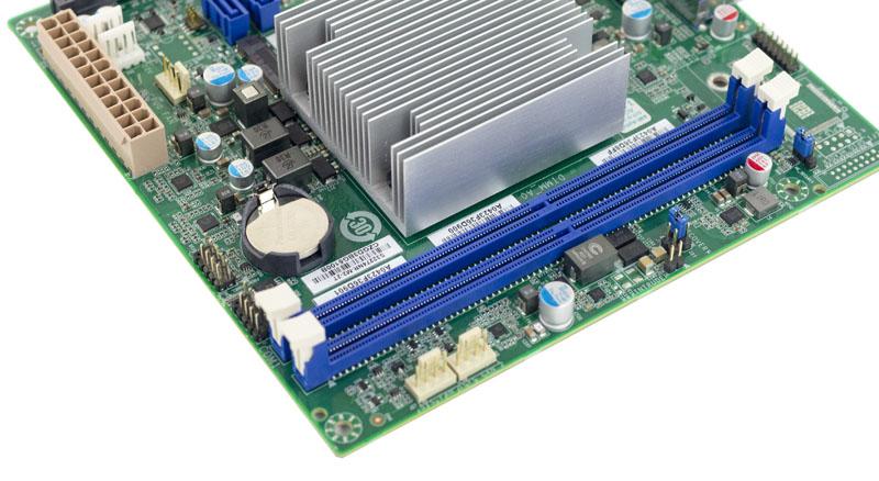 Tyan S32272NR C958 RAM Slots