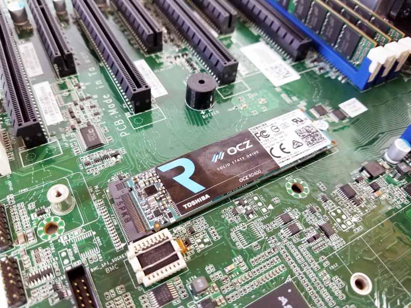 Tyan S7100 M2 Slot