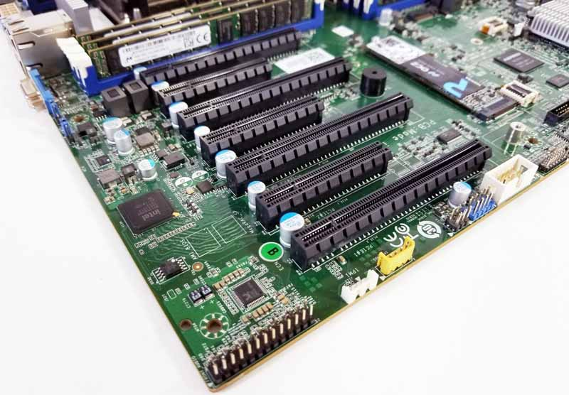 Tyan S7100 PCIe Slots