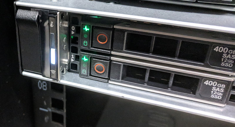 Dell EMC PowerEdge R640 Quick Sync 2 Button