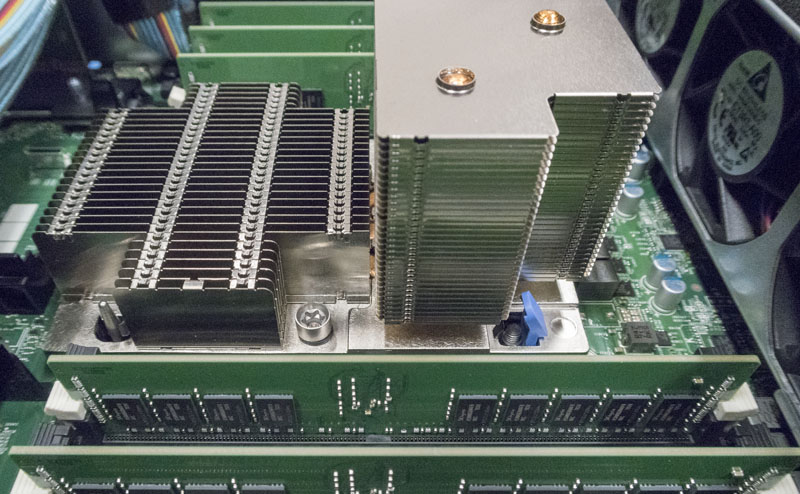 Dell EMC PowerEdge R740xd CPU Heatsink Innovation