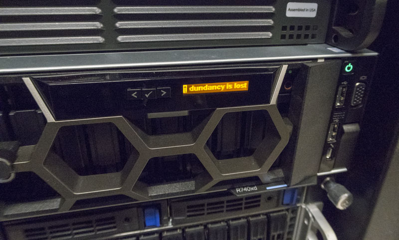 Dell EMC PowerEdge R740xd LCD Bezel Warning