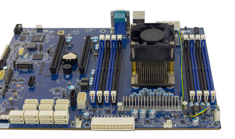 Gigabyte MB51 P0 CPU Airflow DIMMs ATX
