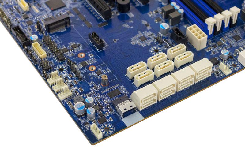 Gigabyte MB51 P0 SATA Slim SAS NVMe