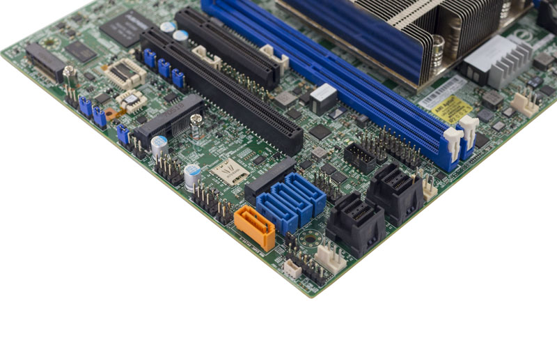 Supermicro X11SDV 16C TP8F U2 And SATA