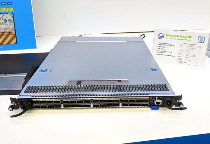 QCT QuantaMesh T9032 IX9 On Display
