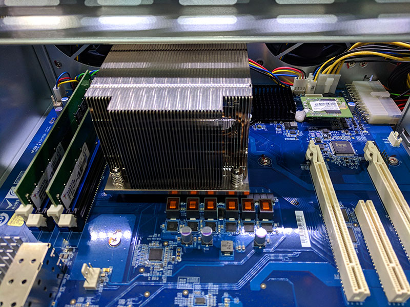 QNAP TS 1677XU Rackmount AMD Ryzen NAS RAM DOM Heatsink