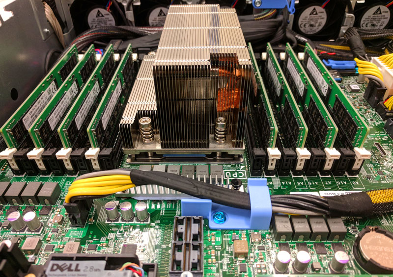 Dell EMC PowerEdge R7415 DIMMs Heatsink And Power Cable
