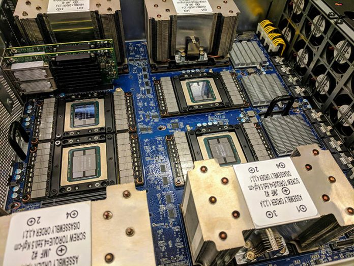 DeepLearning12 Half Heatsinks Installed 800