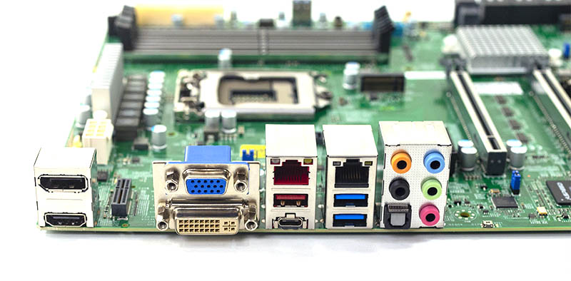 Supermicro X11SCA F Rear IO