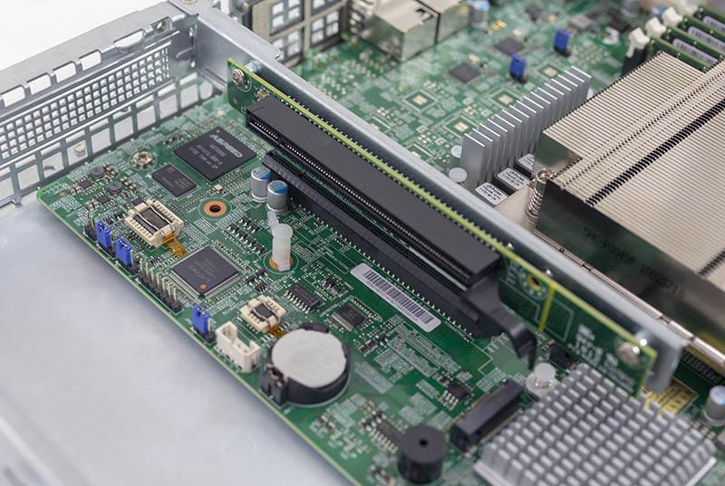 Supermicro SYS 5019C MR PCIe X16 Riser