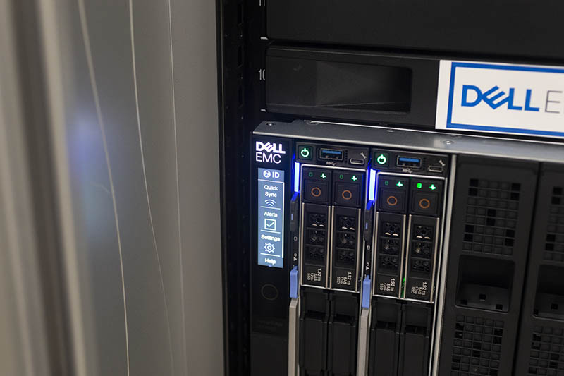 Dell EMC PowerEdge MX7000 Status LCD In Rack