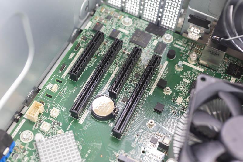HPE ProLiant ML30 Gen10 PCIe