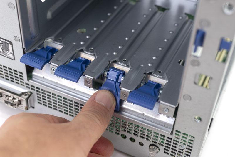 HPE ProLiant Microserver Gen10 Storage Tab
