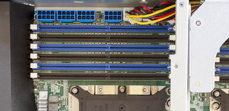 Supermicro SYS 2049U TR4 PCIe Power