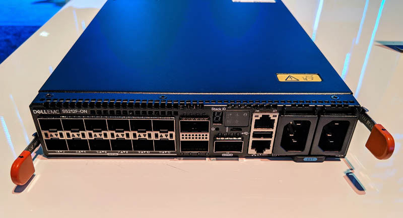 Dell EMC PowerSwitch S5212F-ON Half-width 25GbE and 100GbE Switch