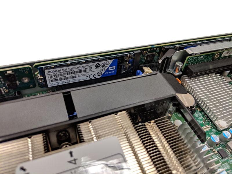Supermicro BigTwin SYS 2029BZ HNR SATA M2 RAID 1