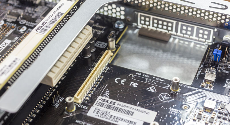 ASUS RS500A E9 RS4 U PCIe Riser 1 And OCP