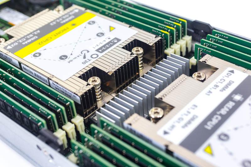 Cisco UCS C4200 C125 M5 CPU Heatsinks And Memory