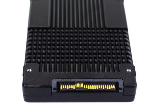Intel Optane DC P4800X U2 Connector