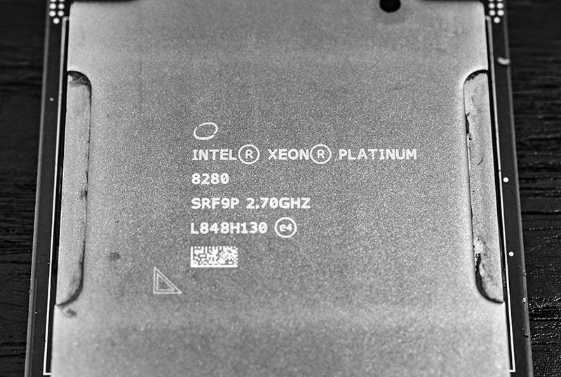 Intel Xeon Platinum 8280 Cover