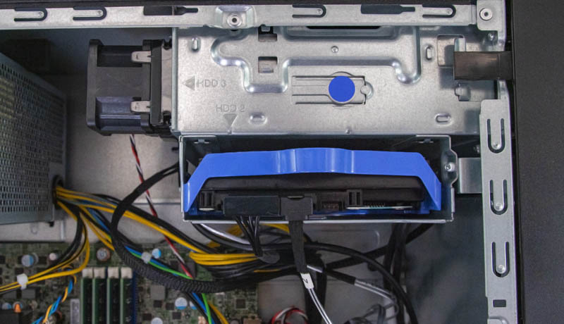 Lenovo ThinkSystem ST50 Top Hard Drive And Fan