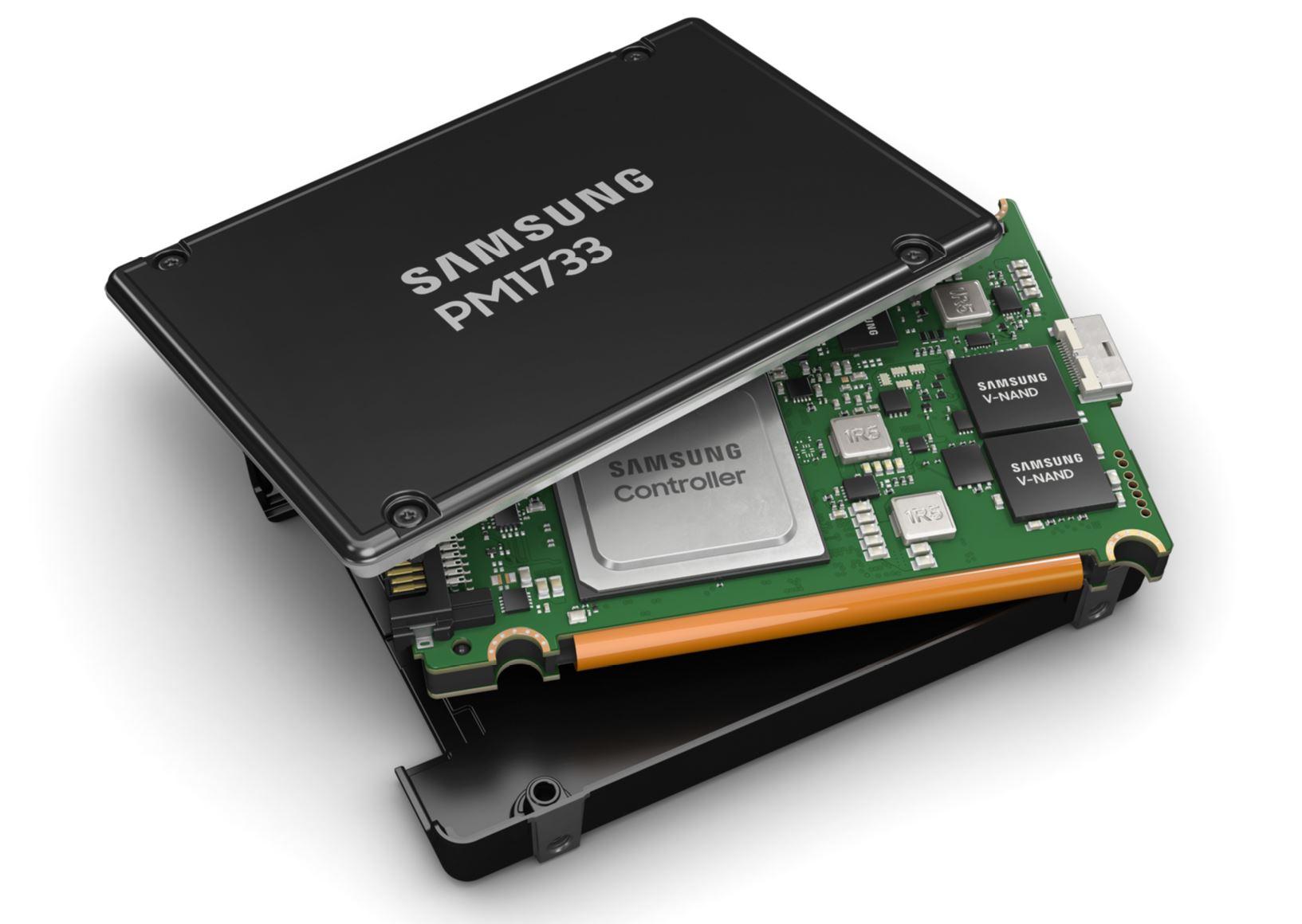 Samsung PM1733 PCie Gen4 NVMe SSD U.2