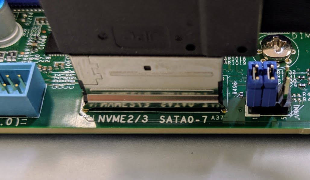 Supermicro H11SSW NT Cabled NVMe SATA
