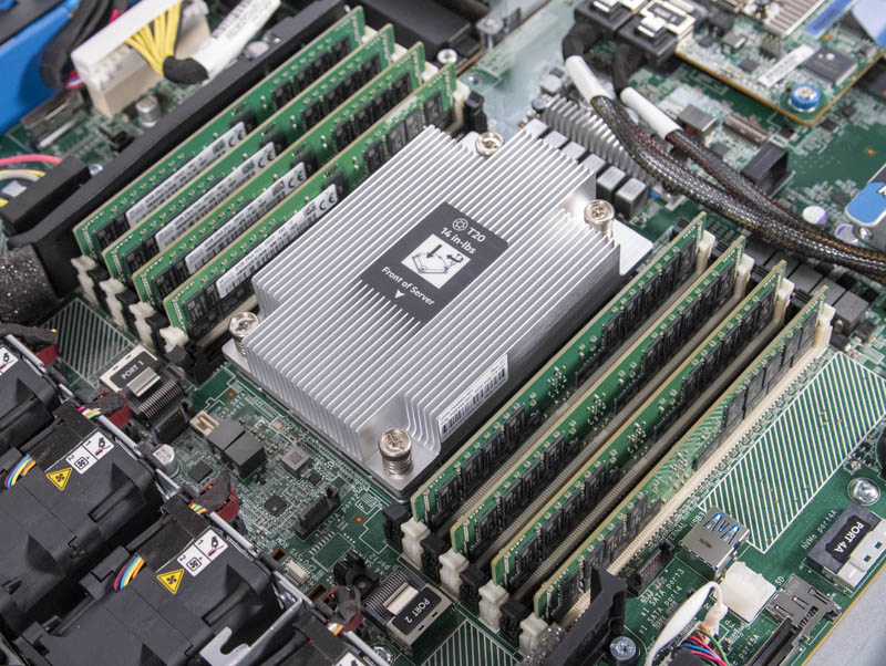 HPE ProLiant DL325 Gen10 CPU And Memory