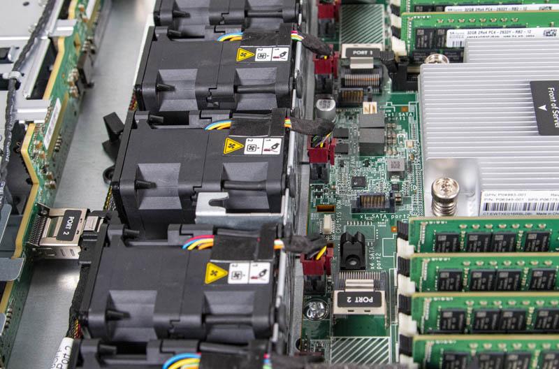 HPE ProLiant DL325 Gen10 SATA Ports
