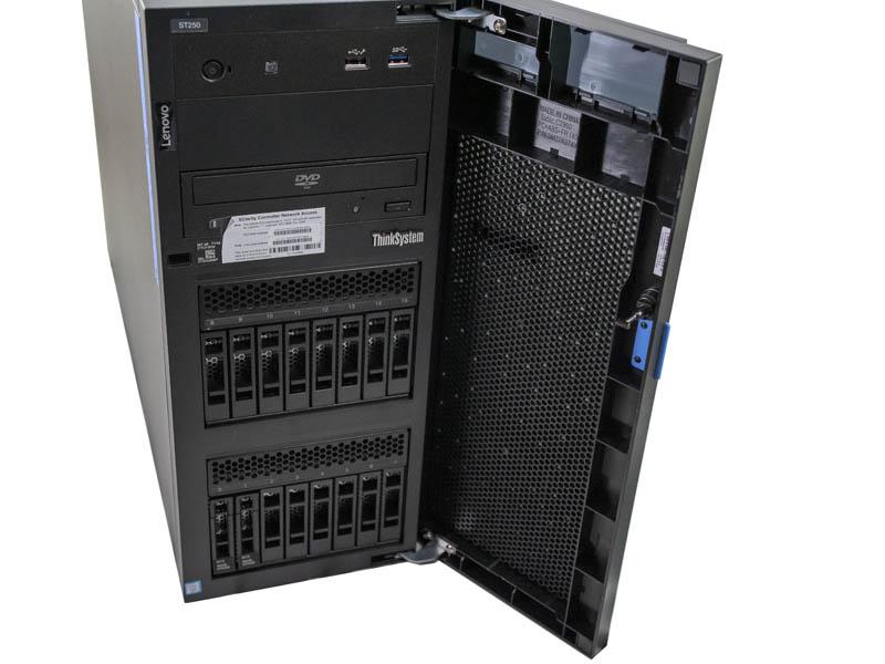 Lenovo ThinkSystem ST250 Front Drive Bays
