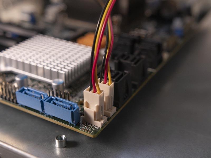 SilverStone CS381 3 Pin Fans