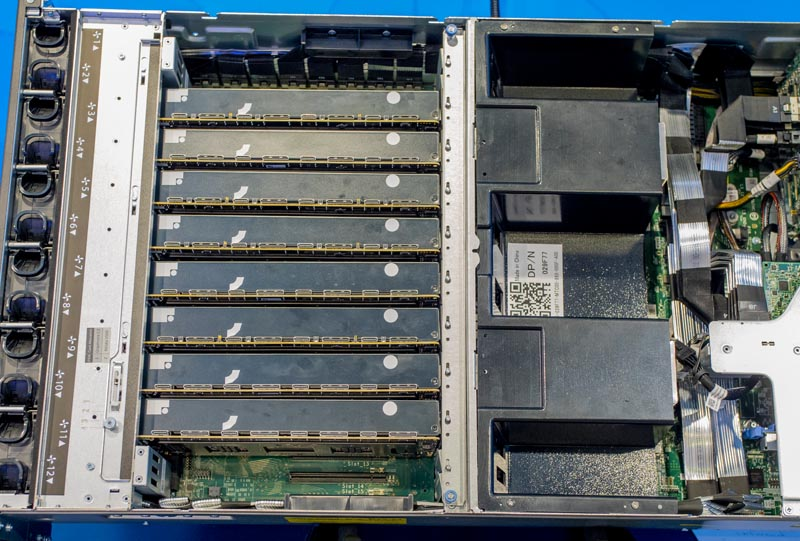 Dell EMC DSS8440 At SC19 With 8x Graphcore C2 IPUs No Connectors