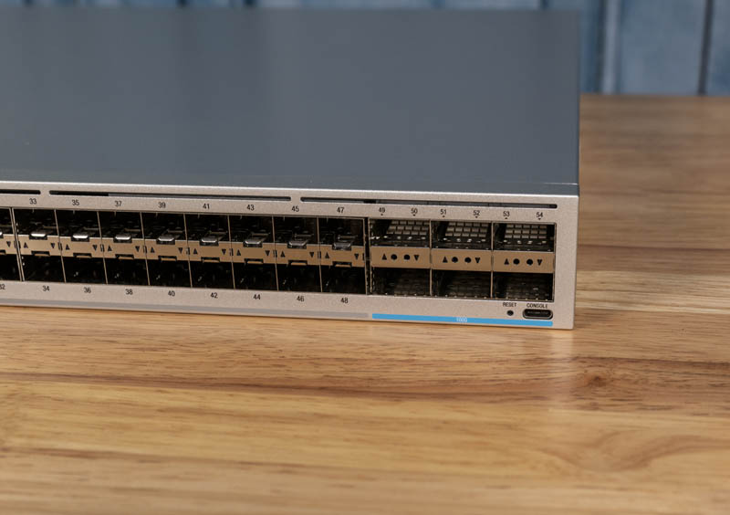 Ubiquiti USW Leaf Switch 6x 100GbE And Console USB C Port