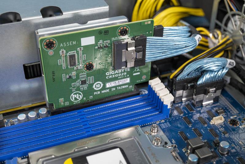 Gigabyte G242 Z10 Front Panel Riser