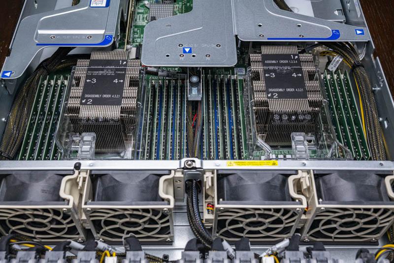 Supermicro 2029UZ TN20R25M CPU And Memory Area 24 DIMMs