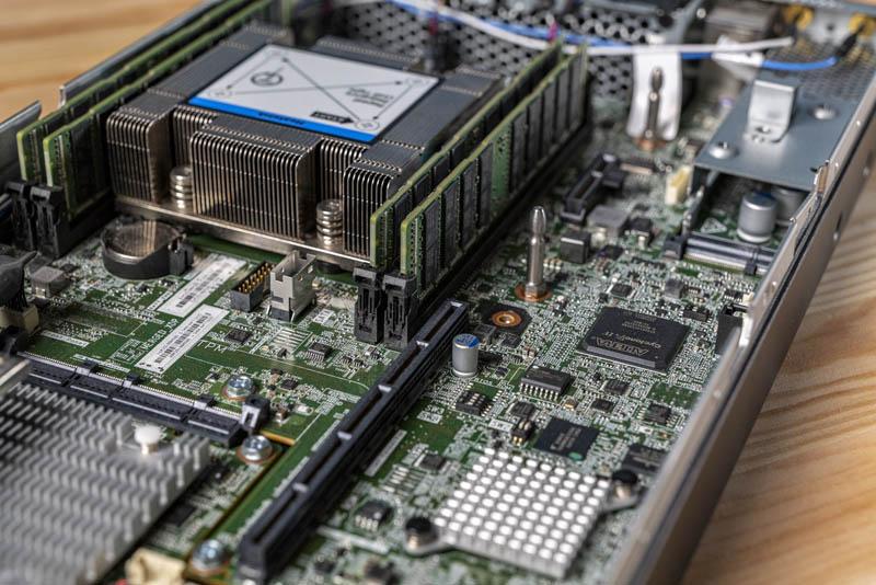 Lenovo ThinkSystem SE350 Cyclone And BMC