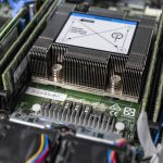 Lenovo ThinkSystem SE350 Xeon D Heatsink And RAM