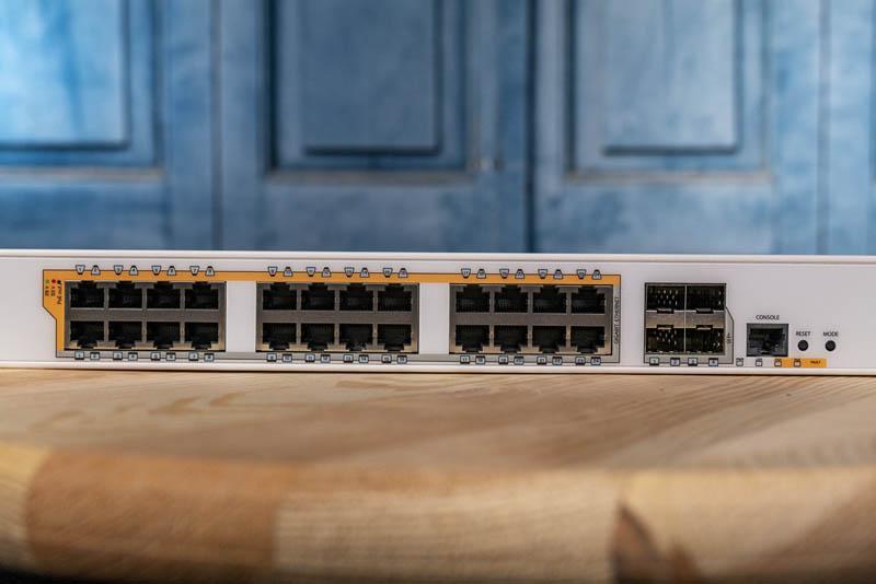 MikroTik CRS328 24P 4S+RM Ports