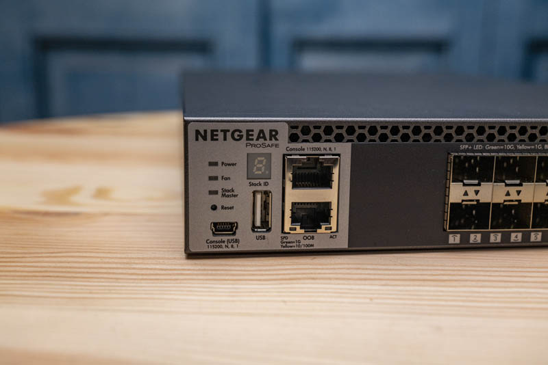 Netgear M4300 8X8F Front Console OOB USB Stack Status LEDs