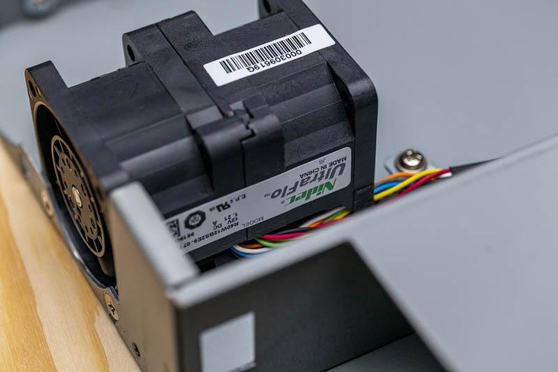 Netgear M4300 8X8F Nidec UltraFlow