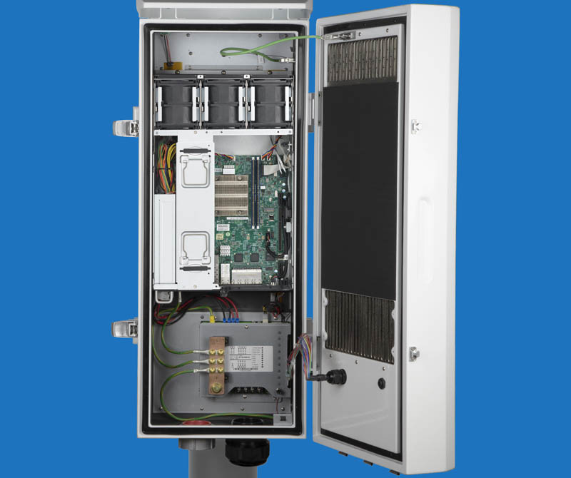 Supermicro Outdoor Edge System Open With Xeon D Shown