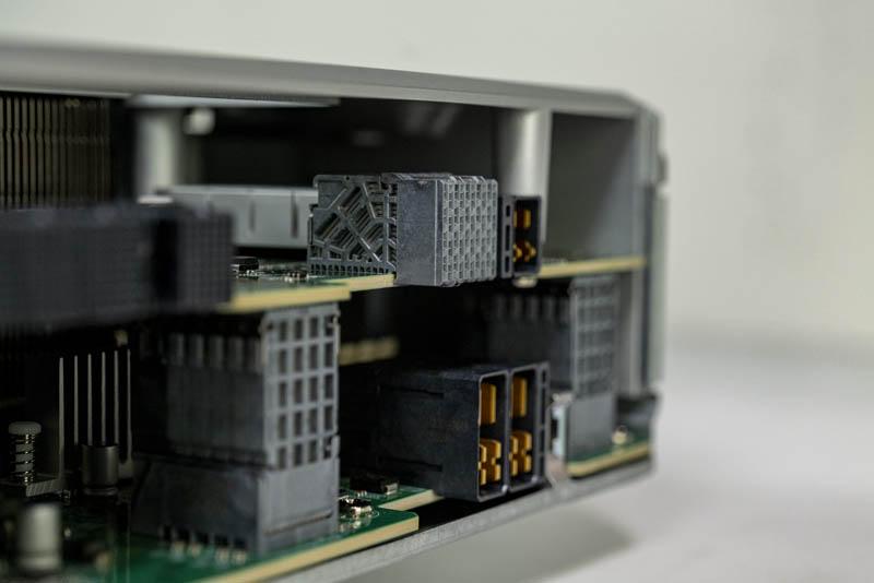 Supermicro SuperStorage SSG 6049SP DE1CR60 High Density Connectors
