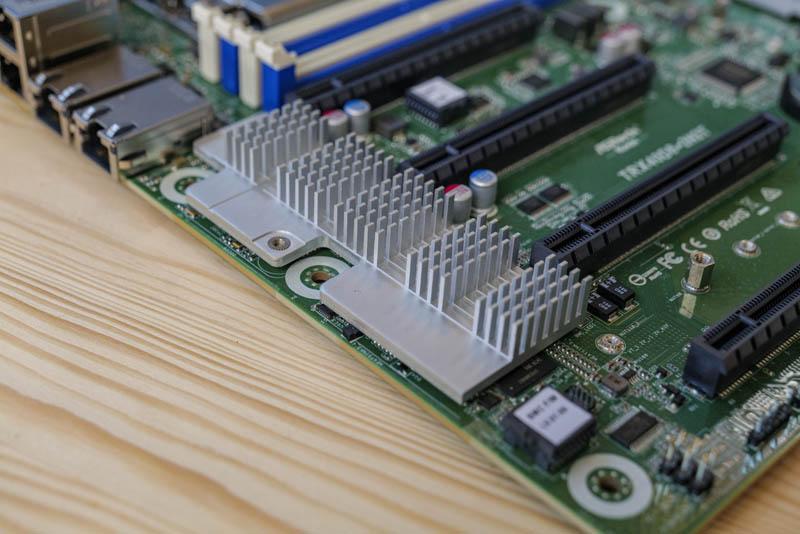 ASRock Rack TRX40D8 2N2T Networking Heatsink