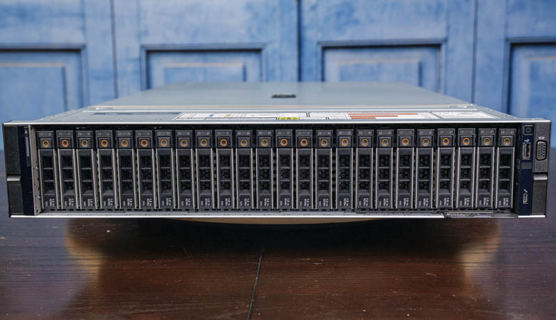 Dell EMC PowerEdge R7525 Front