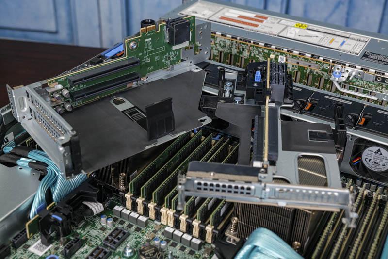 Dell EMC PowerEdge R7525 PCIe Risers