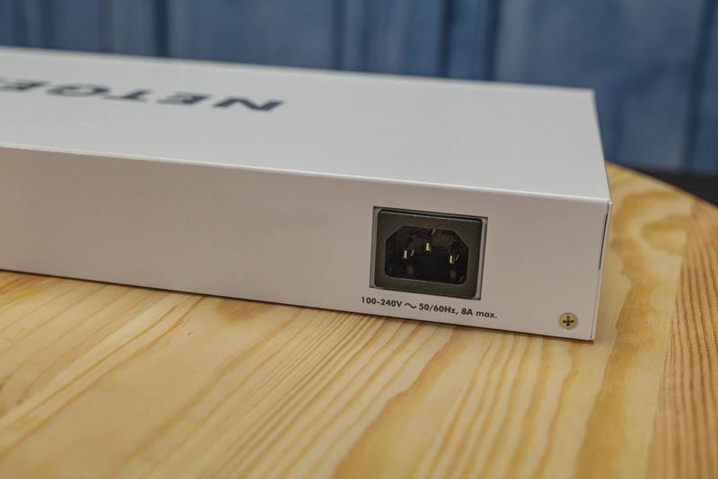 Netgear GS710TUP AC Input